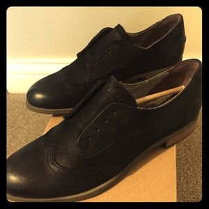 Sperry black oxfords. Brand New, with tags
